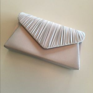 NWT Jessica McClintock Silver Evening Bag
